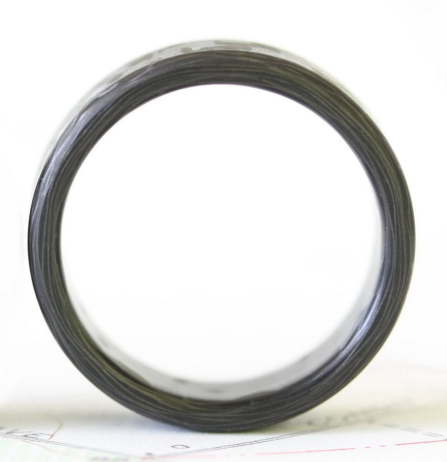 Side profile of a carbon fiber wedding ring