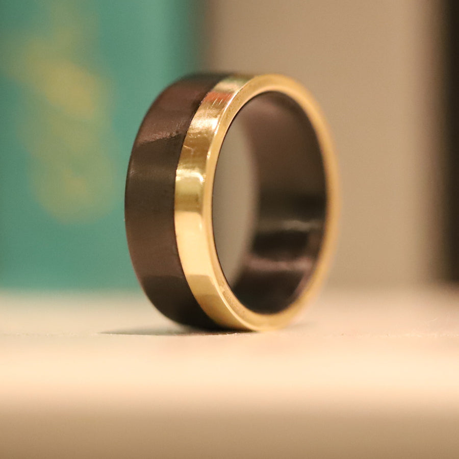 A 14 karat yellow gold ring
