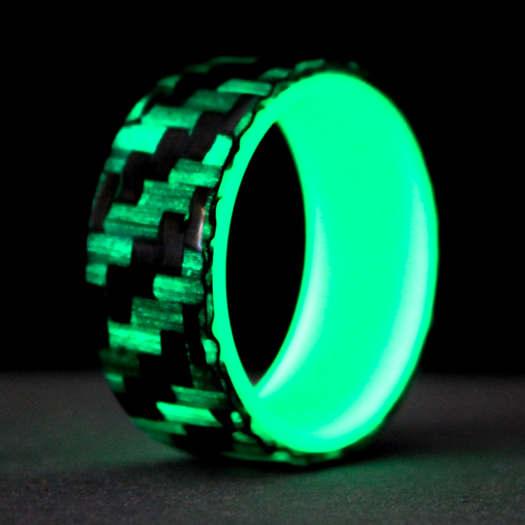 The Lumineer Carbon Fiber Ring with Green Glow Liner