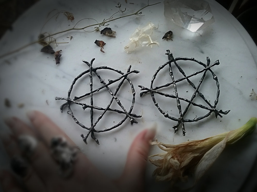 ~ The Witching Tree Pentacle of Protection Talisman ~