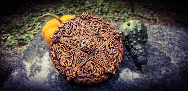 Celtic Knot Pentacle by Paul Borda