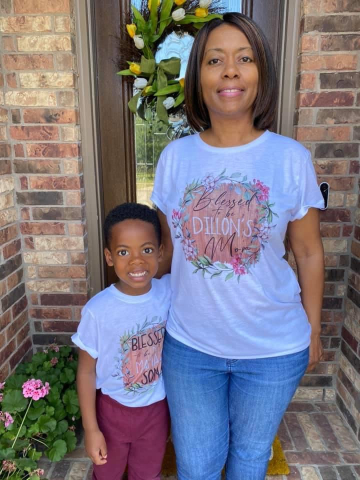 blessed-boy-mom-personalized-name-wood-grain-tee-shirt-mommy-and-me-mothers-day-it's my party kids boutique-5