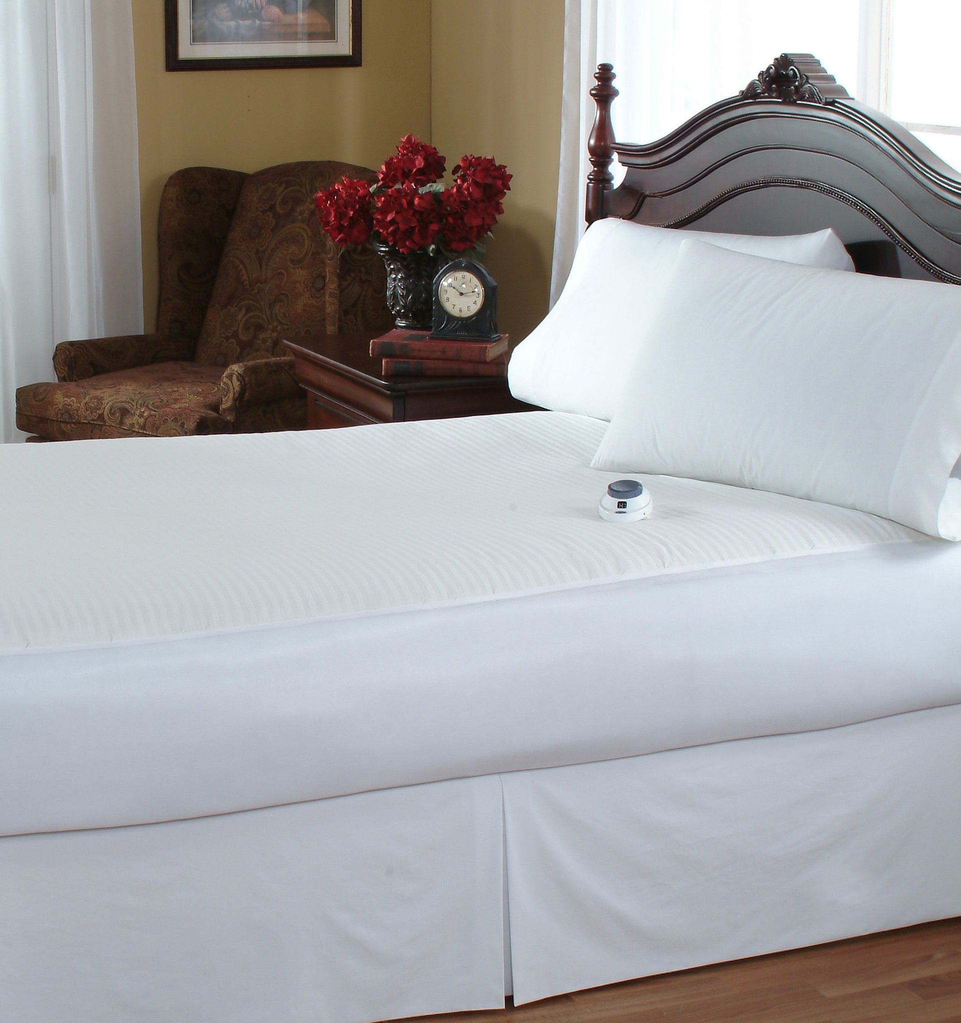 White Soft Heat Micro-Plush Top Low-Voltage Electric Heated Mattress Pad