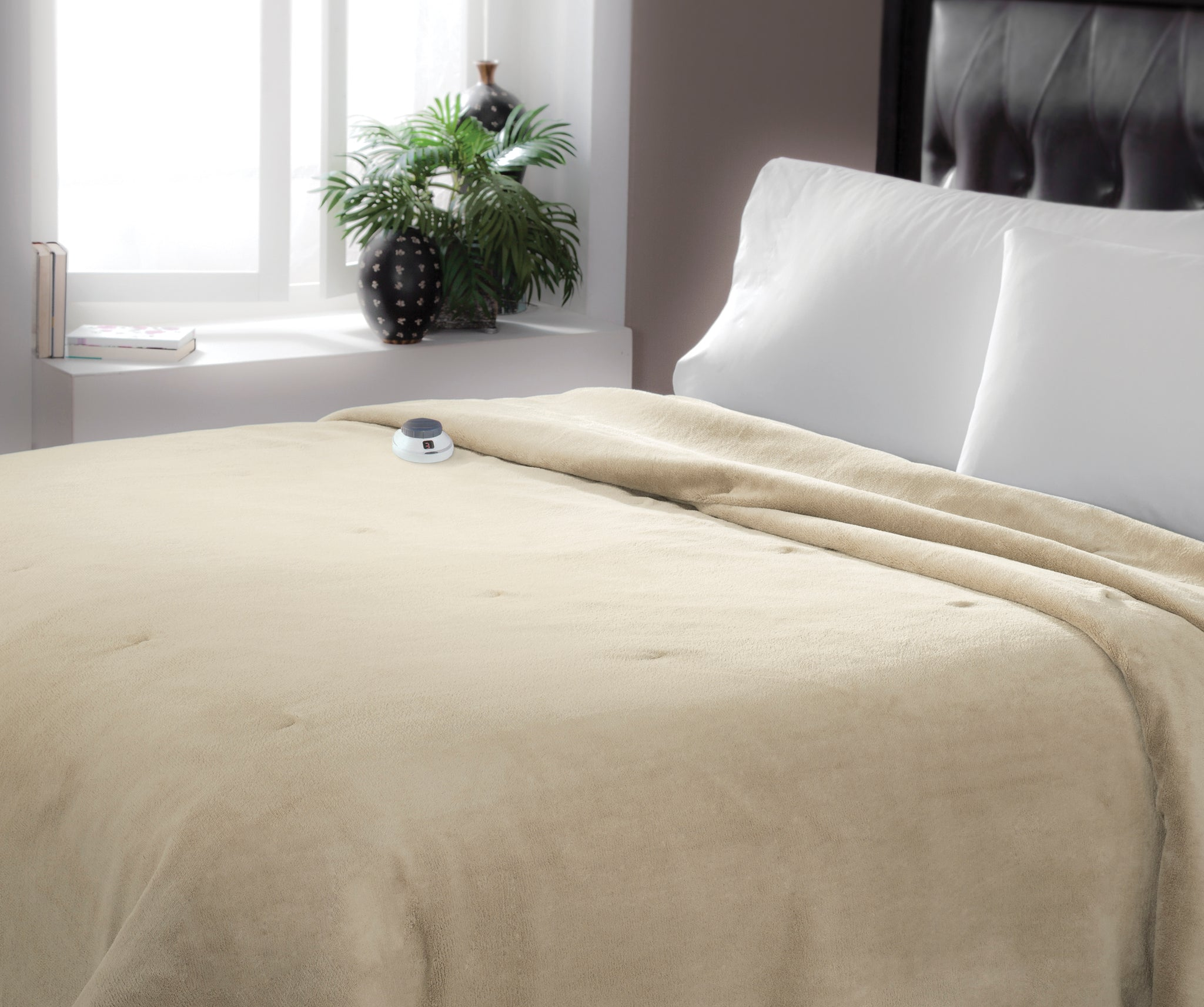 Soft Heat Luxe Plush Warming Blanket
