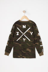 Printed with a camo graphic, this long sleeve features a Zoo York graphics on the chest and back, a basic crew neckline and a relaxed fit.  100% Cotton, Imported by Zoo York Machine Wash Cold Water - Gentle With Like Colours - No Bleach - Tumble Dry Low Style #2788-48285798