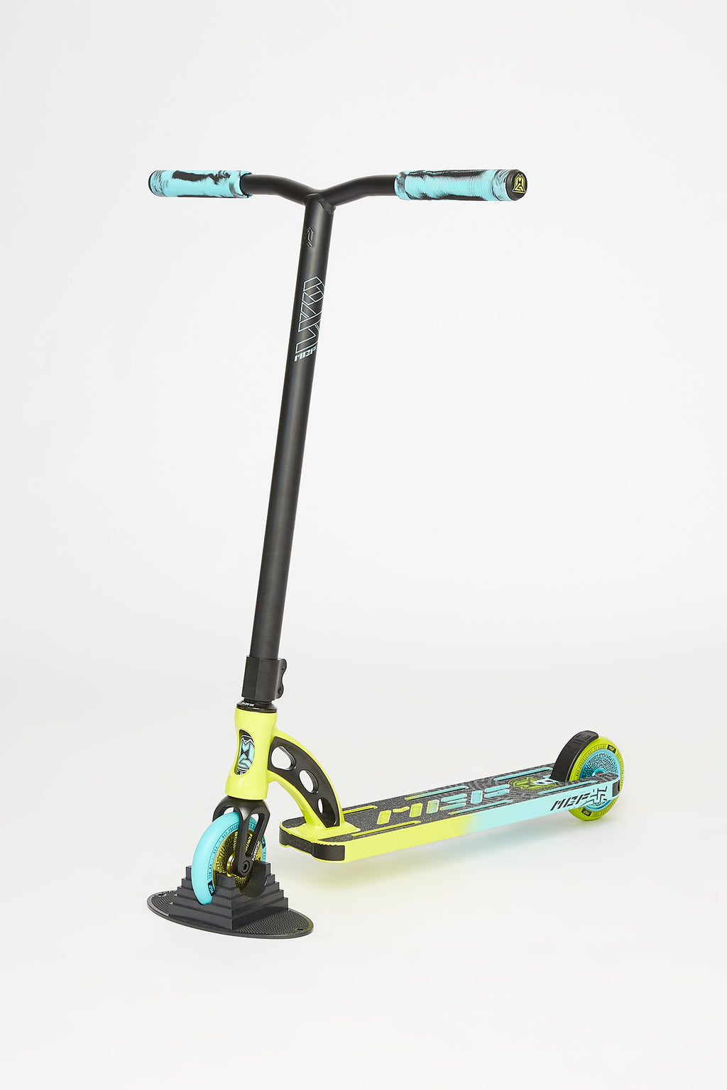 Madd Gear Lime VX9 Scooter