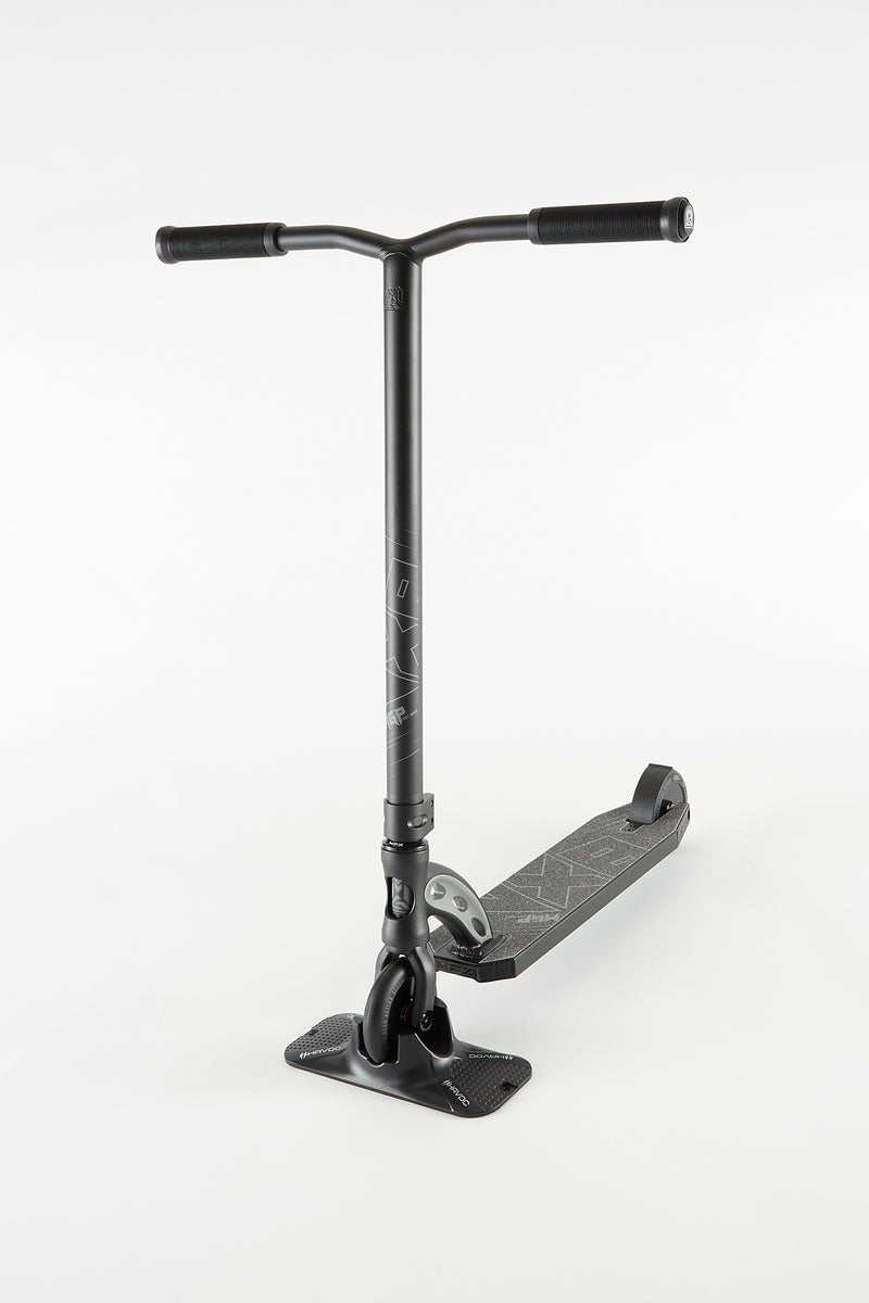 Madd Gear VX8 Pro Scooter - Black