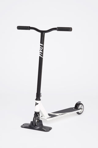Pivot Black and White Scooter