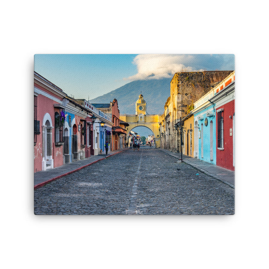 ARCH STREET OF ANTIGUA GUATEMALA CANVAS - Roberto Destarac Photography