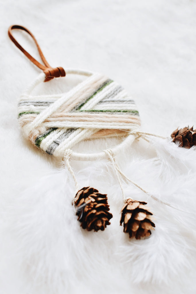 Winter Cabin Woven Dream Catcher Set