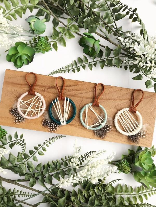 Beach inspired dreamcatcher wedding favors