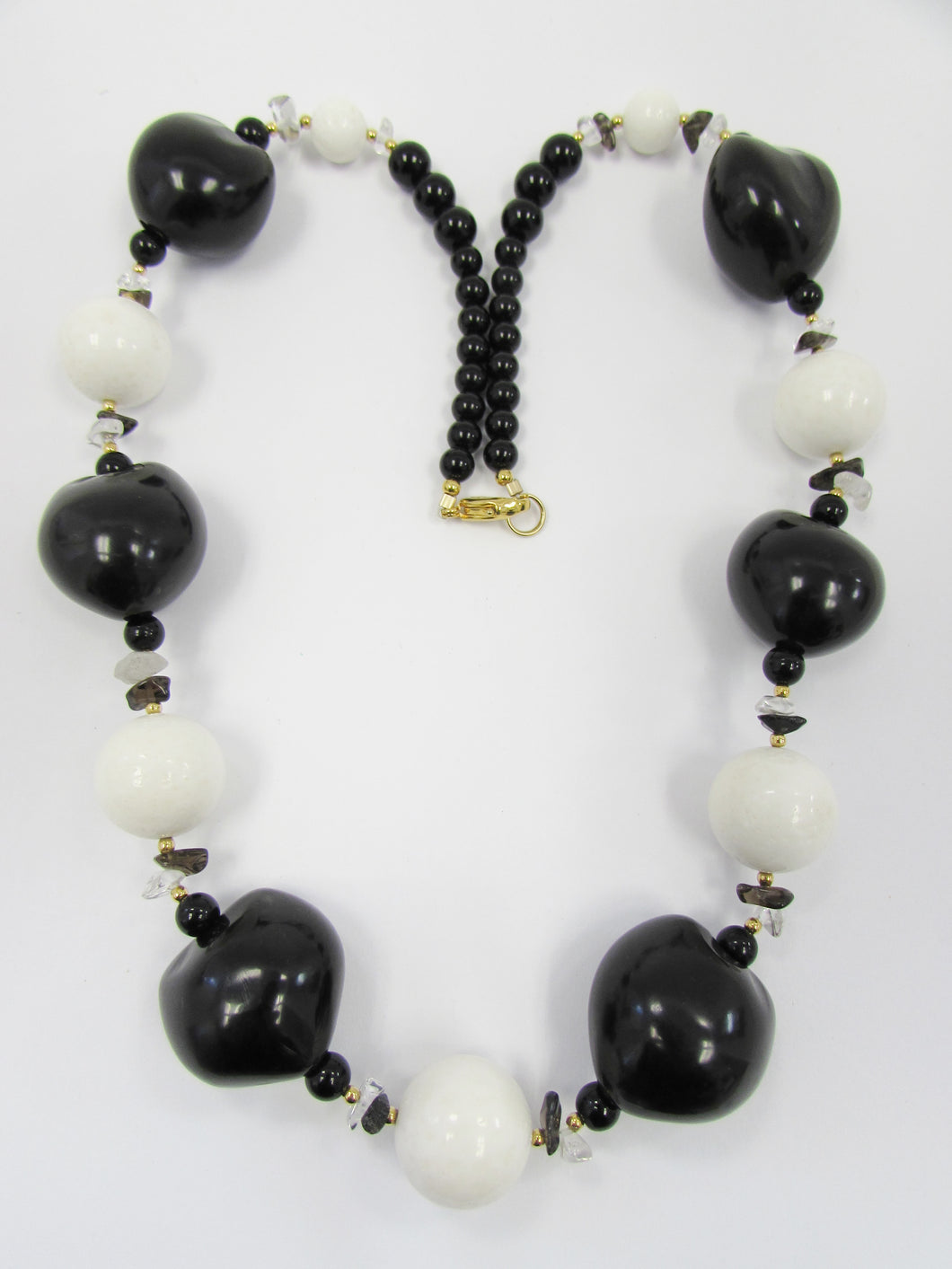 Lee Sands Kukui nut w White Sponge Coral Necklace