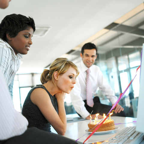 7 Fun and Easy Ways to Celebrate Your Co-Worker's Birthday at Work