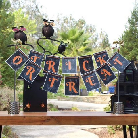 12 Easy and Simple DIY Halloween Decorations (Indoor and Outdoor)