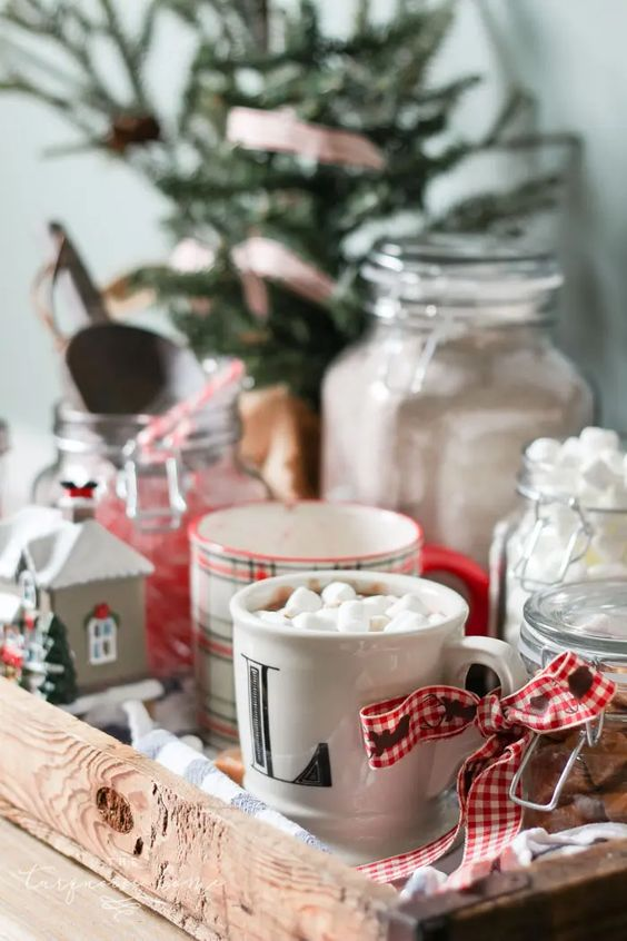 Simple Christmas Decor Ideas for the Kitchen