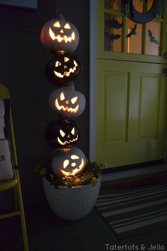 Easy and Simple Halloween Decorations (Indoor and Outdoor)