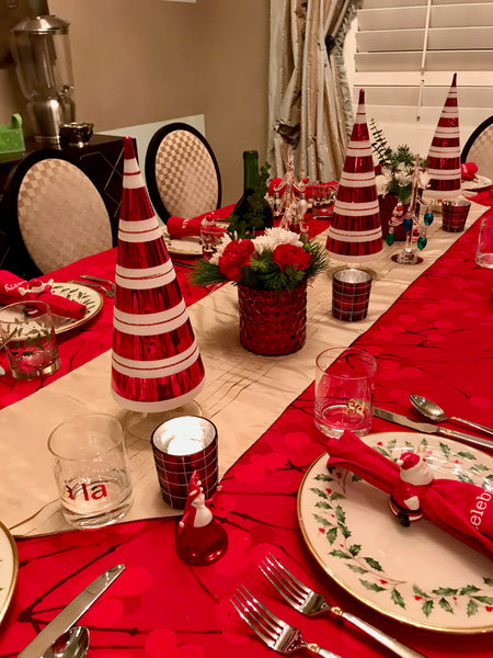 Idea for dining room table centerpiece at christmas