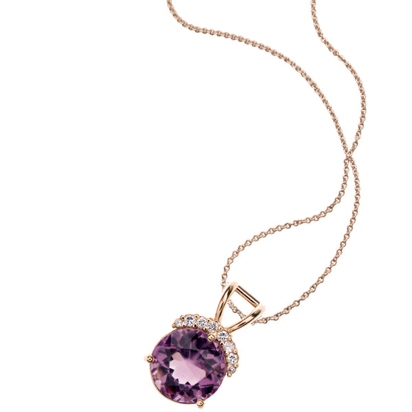 give mom birthday gift of necklace