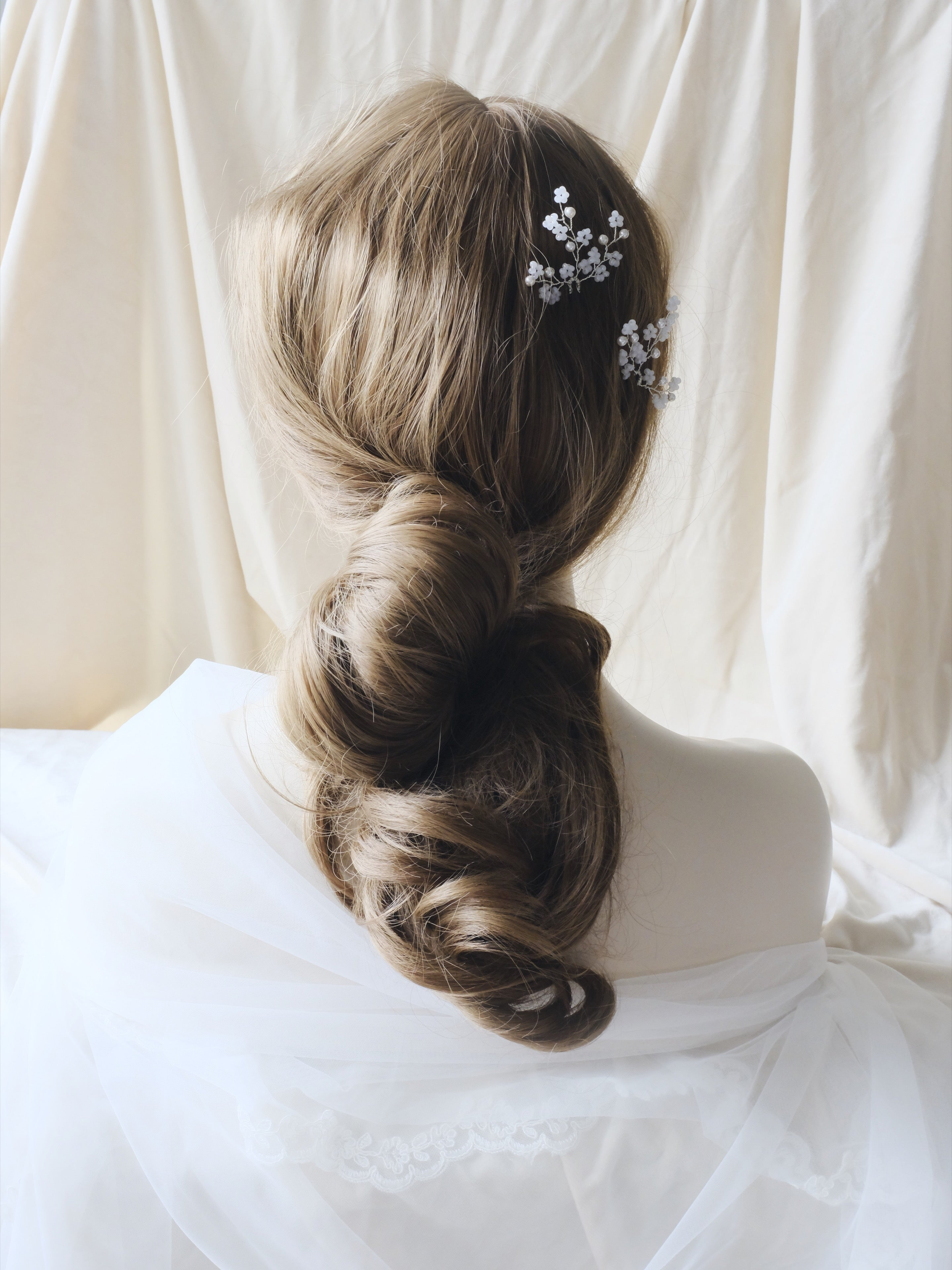 Vintage wedding hairstyles curls bridal pearl hair pins