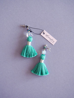 India earrings in Emerald