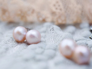 Pearl earring studs in peach rose