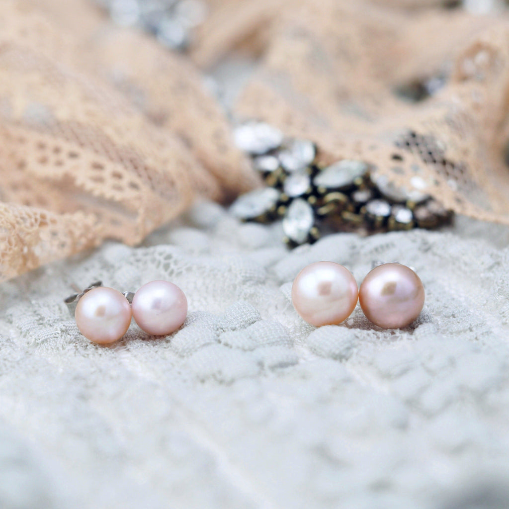 Classic freshwater pearl earrings in rose