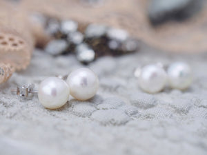Classic pearl earrings stud with sterling silver post