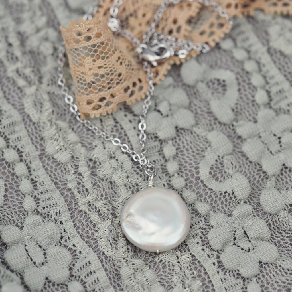 Classic white freshwater baroque pearl necklace