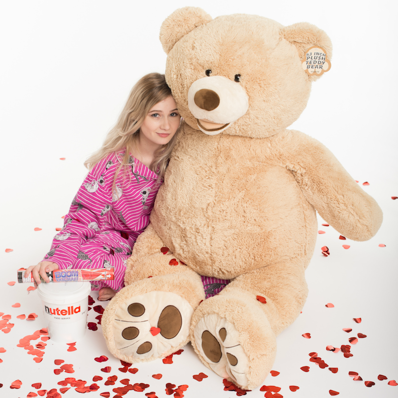 tuscan big bear love with Nutella & love heart confetti 134cm