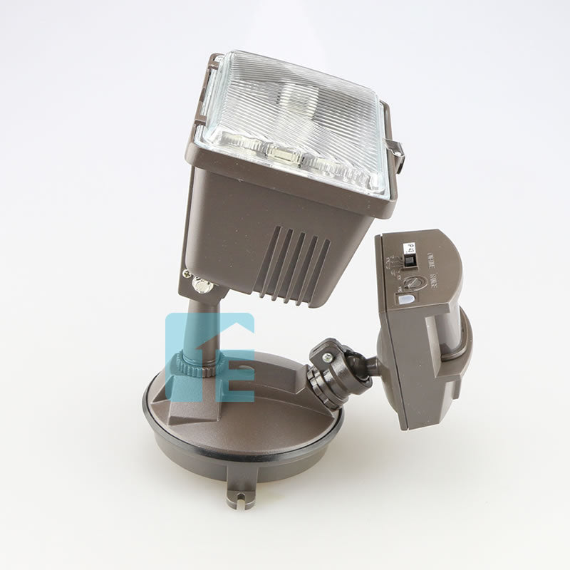 Chamberlain Sensor Light Bronze Halogen Head With 180° Sensor