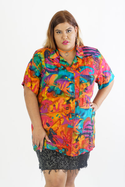 Vintage 90s tropical fish button down Blouse - Fits Up To 2X
