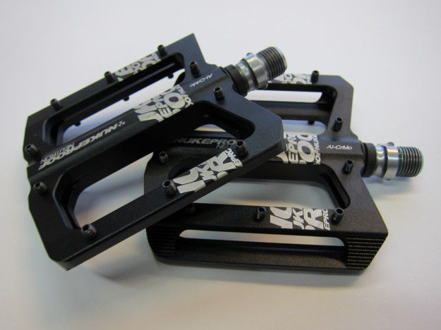 NukeProof Neutron flat pedals – review