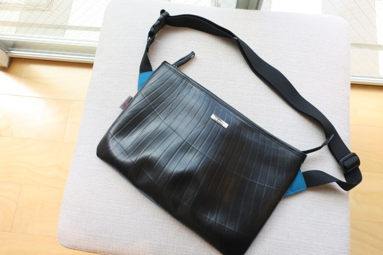 SEAL recycled Tire Tube BEATTEX sacoche bag