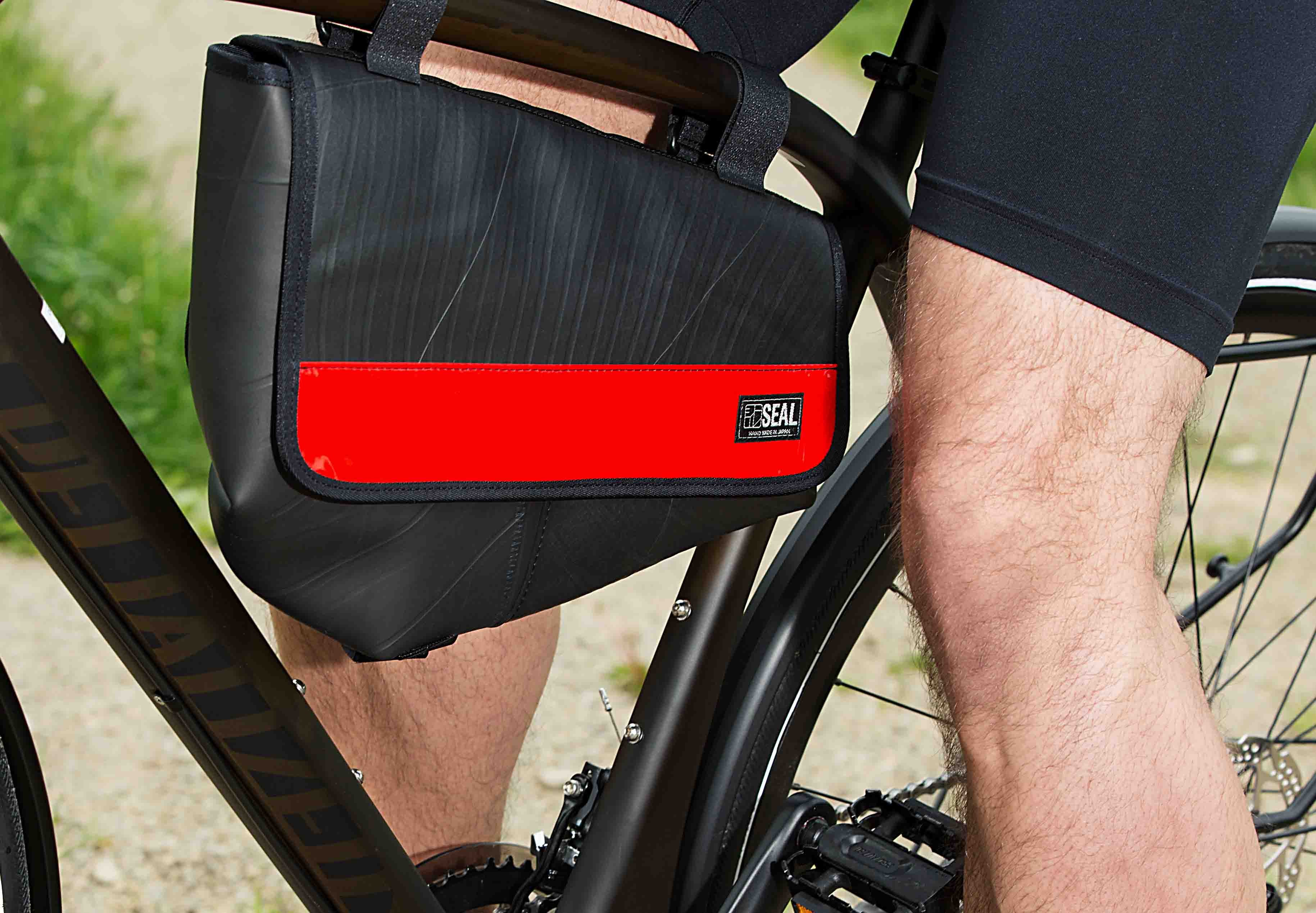 SEAL Recycled Tire tube bicycle bag