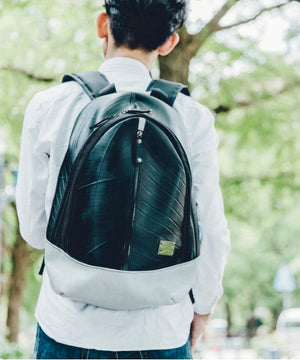 SEAL Best Men's Backpack for Work PS094 BLACK Handmade in Japan Mood Shot