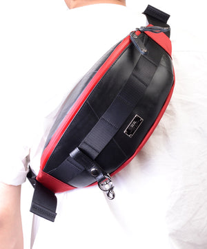 SEAL bum bag PS149 red model over shoulder view