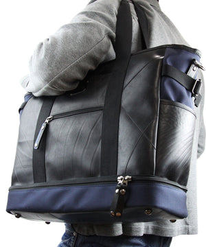 SEAL Weekender Tote With Shoe Compartment PS060 NAVY Model Carrying View