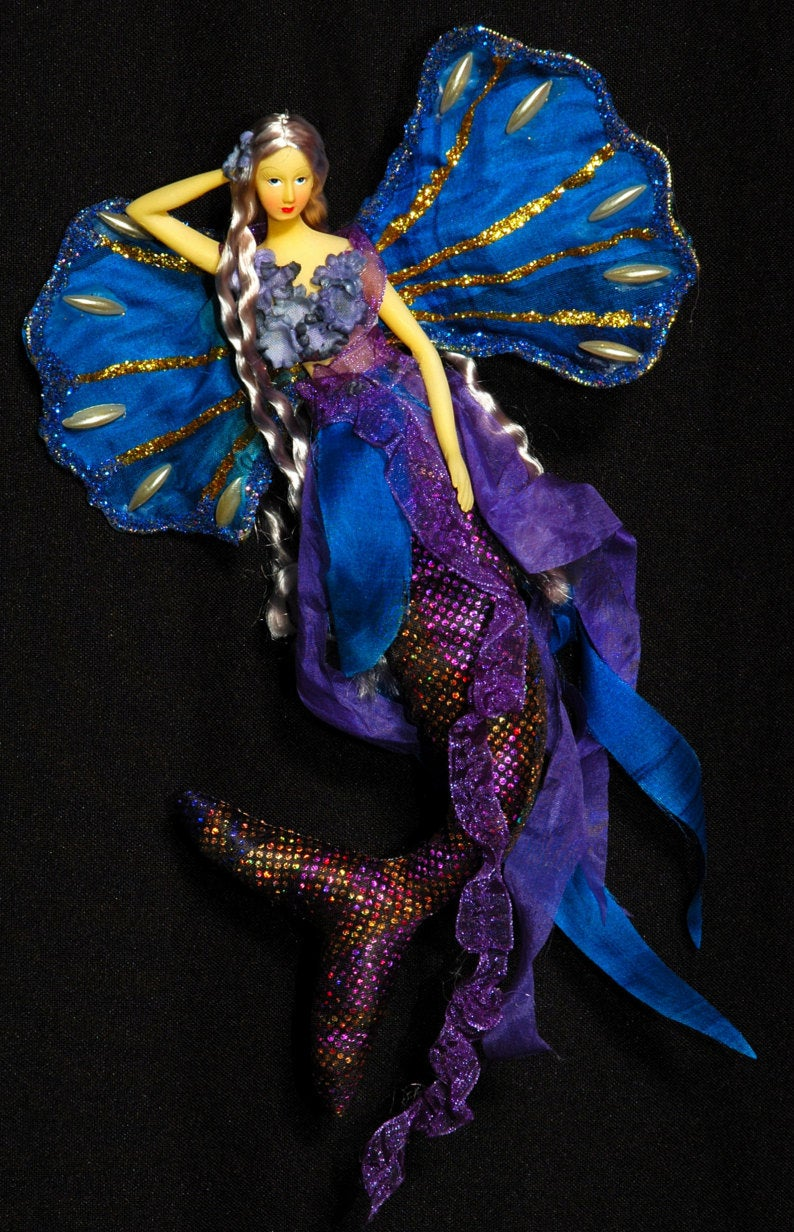 BLUE/PURPLE Mermaid Tail Doll Clam Shell Wing
