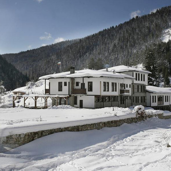 Arkhan Khan – coziness, authentic cuisine from the Rhodope mountains and horseback riding for two