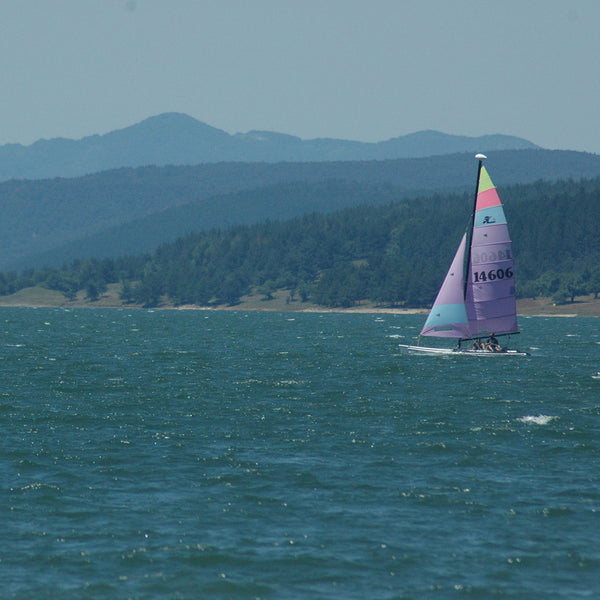 Sailing on Iskar Dam with a catamaran - racing class Hobie Cat 18