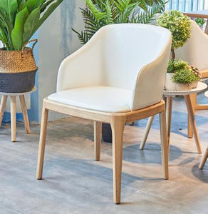 Massiivipuiset Solid Wood Tables and Chairs