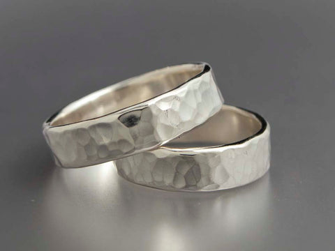 Simple hammered ring set