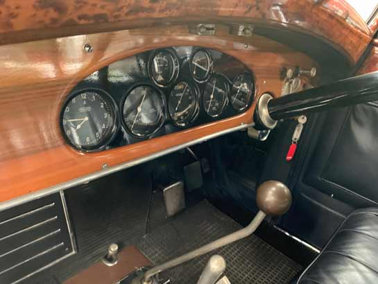 Seven fine dials are the window to the mechanical soul of the Isotta