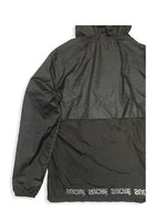 antisport spray jacket