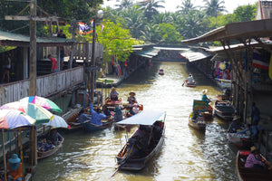 Full Day RAILWAY MARKET AND LADPLEE FLOATING MARKET.