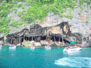 Full Day PHI PHI ISLAND & KHAI ISLAND by Speedboat.