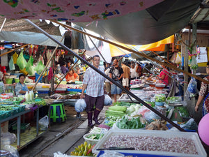 Full Day DAMNOEN SADUAK FLOATING MARKET AND RAILWAY MARKET WITH SEAFOOD LUNCH