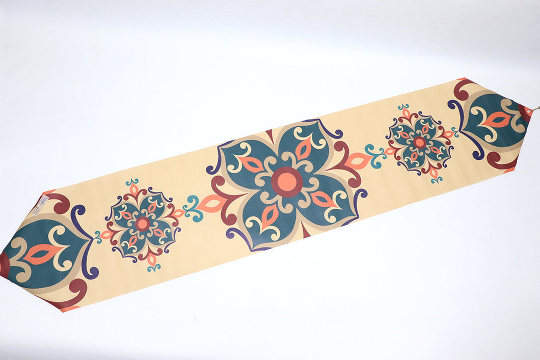 Table Runner green مفرش رانر رفيع زيتي