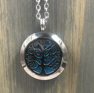 Living Oak Stainless Diffuser Necklace