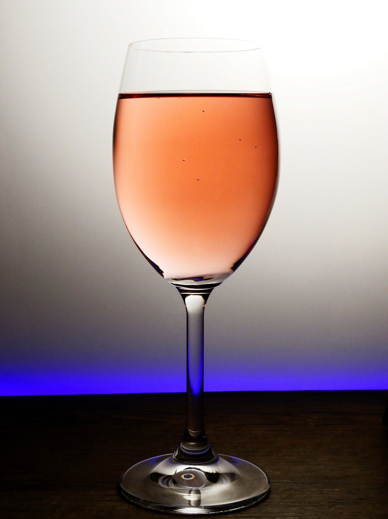Wine Education: The Devil is in the Details: Glasses Actually Do Matter